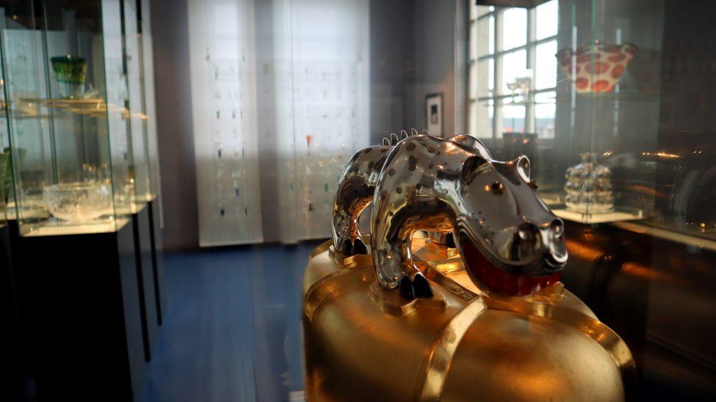 föremål i guld och silver i gunnar cyrens konstsal